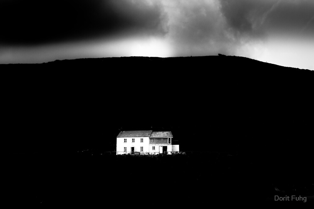 white house and mountain by Dorit Fuhg