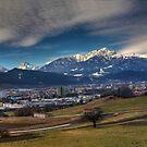 die Stadt, das Land, die Berge by Stefan Trenker