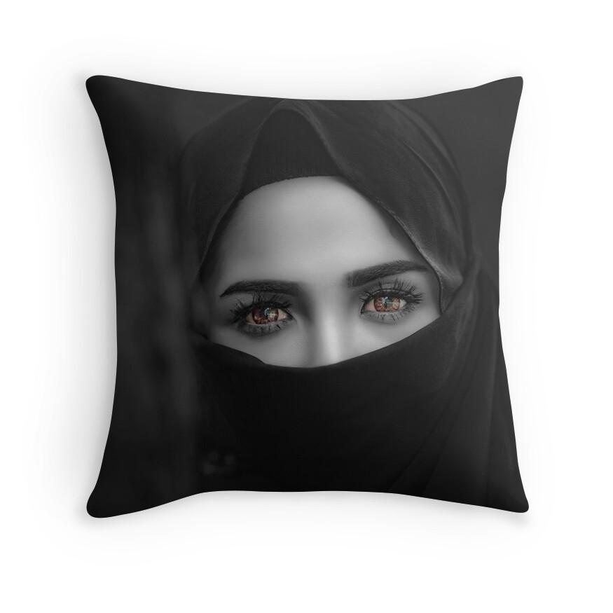 Black and White - Hijab Hazel Brown Eyes