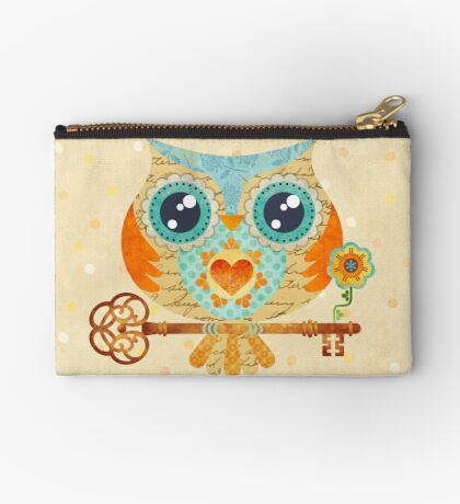 Owl's Summer Love Letters Zipper Pouch