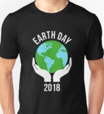 Planet Earth Hands Climate Change Earth Day 2018 Unisex T-Shirt