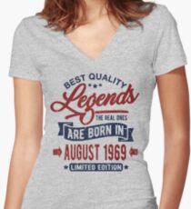 Camiseta entallada de cuello en V Legends born in august 1969