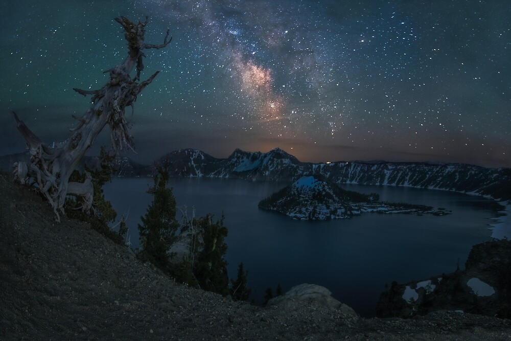 Milky Way over Crater Lake, Oregon by mattmacpherson