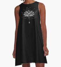 Lotus Blume, Yoga, white version A-Linien Kleid