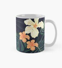 Dark tropical flowers Mug