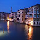 Rialto View By Night by ejacent