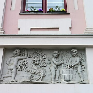 Bas-relief on Hikisch House by grmahyde