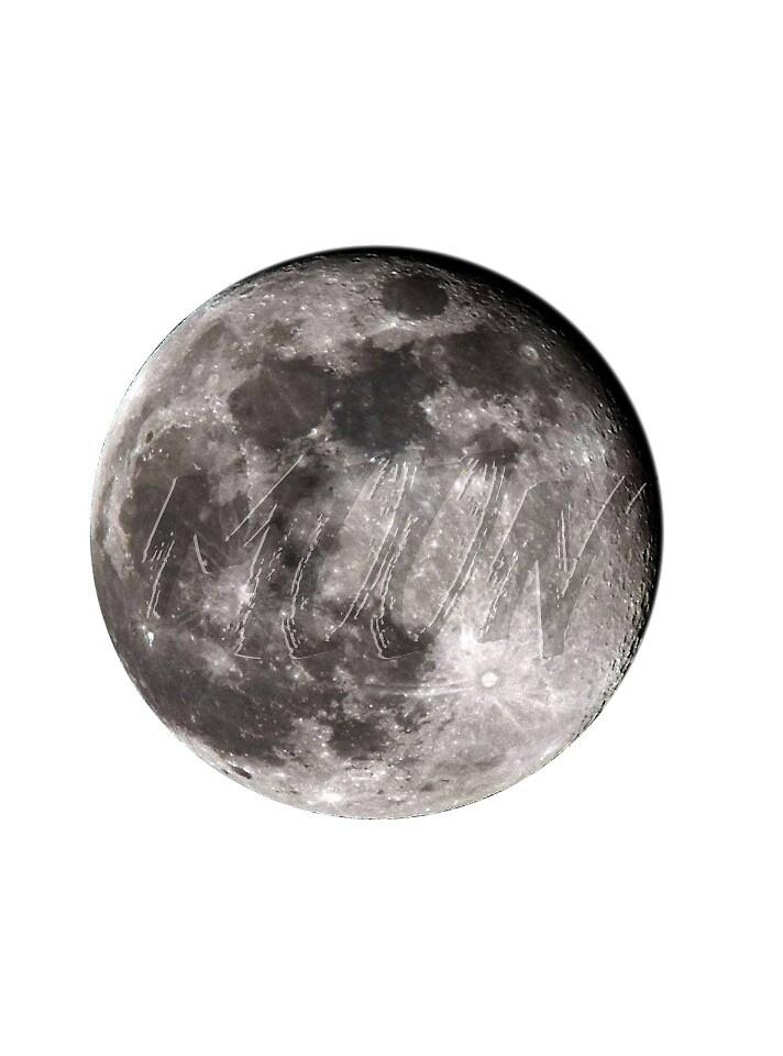 moon by zsofipeto