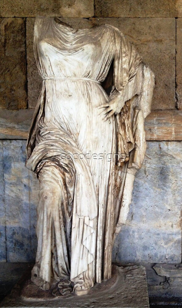 Greek classical marble statue of Aphrodite by cocodesigns