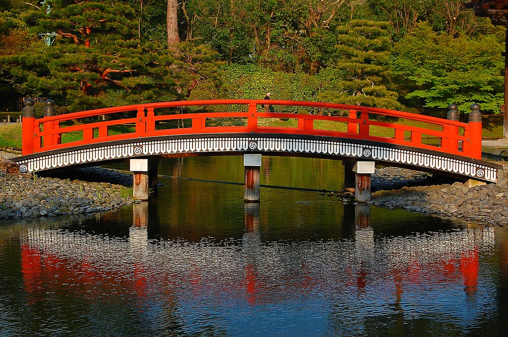 Byodo-In Bridge by gottheshot