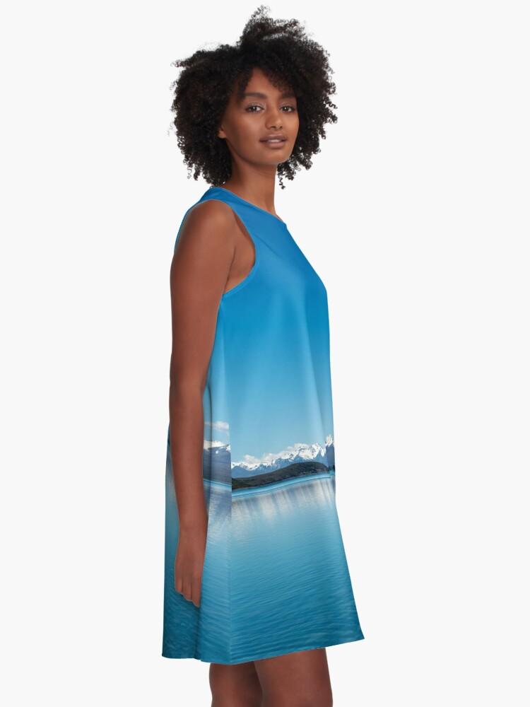 Alternative Ansicht von Blaue Linie Landschaft A-Linien Kleid