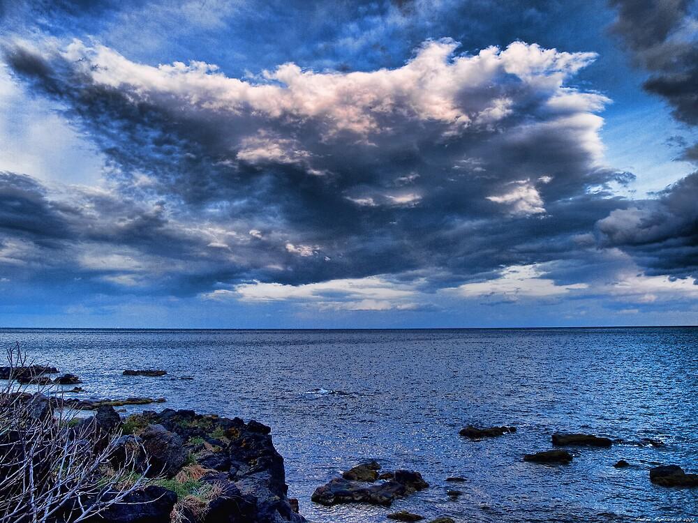 Nuvole sul mare al tramonto by Andrea Rapisarda