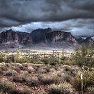 Superstition Mountains - Dunkel von gemlenz