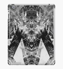Structured chaos kaleida \4 iPad Case/Skin