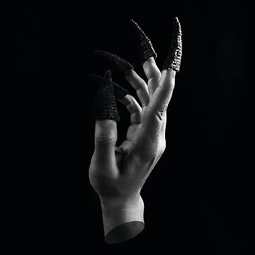 Bugle Witch Hand by kaespo