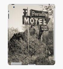 Abandoned Route 66 Paradise Motel Sign  iPad Case/Skin
