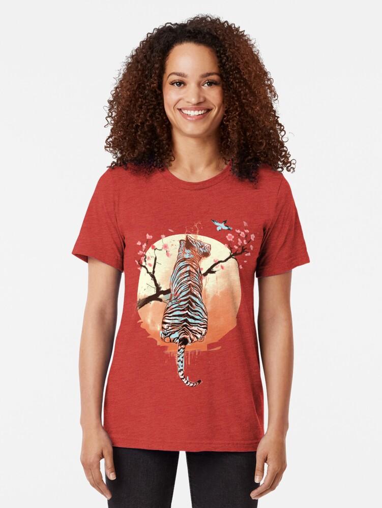 Vista alternativa de Camiseta de tejido mixto Tigre en el árbol de sakura