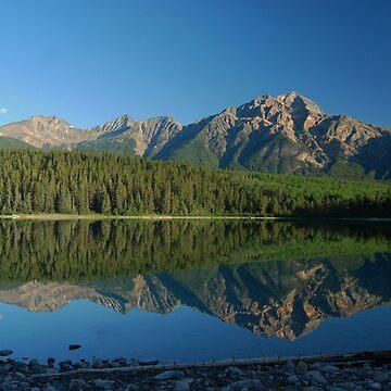 Mirror Image - Patricia Lake by buzzword
