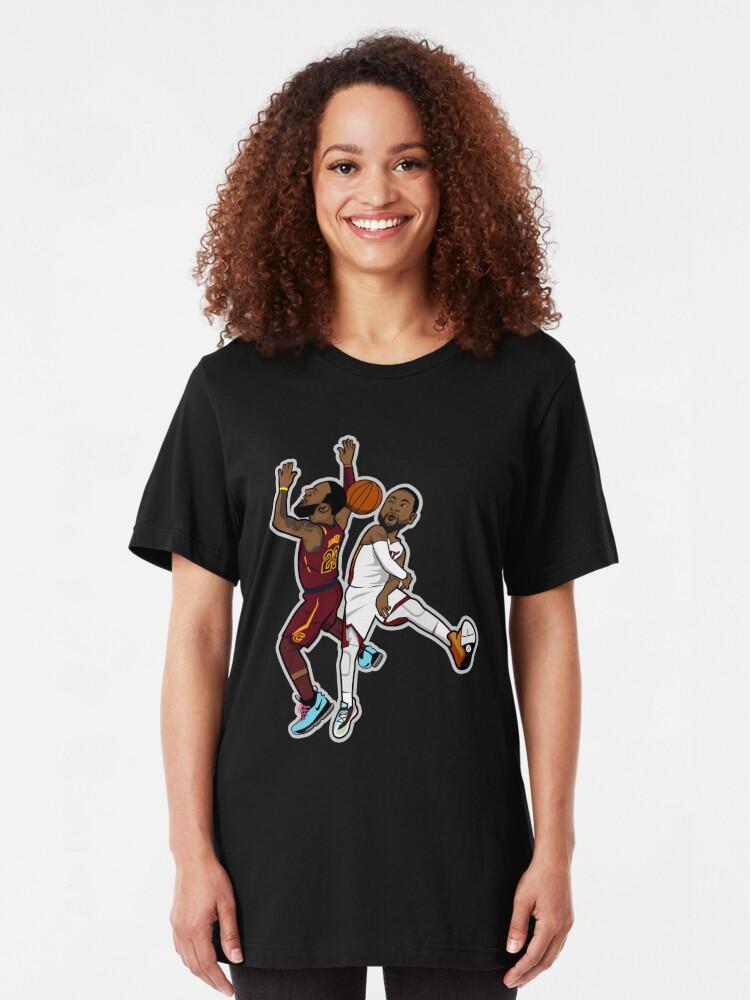 Alternative Ansicht von Wade Blöcke Lebron Cartoon-Stil Slim Fit T-Shirt