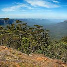 Jamison Valley from Sublime Point by andreisky