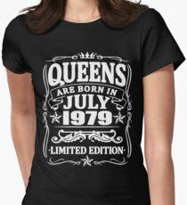Camiseta entallada para mujer Queens are born in july 1979