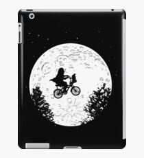E.T. flying parody iPad Case/Skin