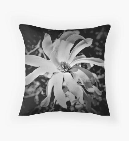 Magnolia Blosson I Throw Pillow