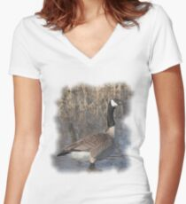 Canada Goose T-Shirt Women's Fitted V-Neck T-Shirt