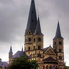 Bonner Münster by Tom Gomez