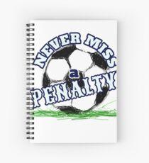Fußball verpassen nie ein Straffußball-T-Shirt Spiralblock