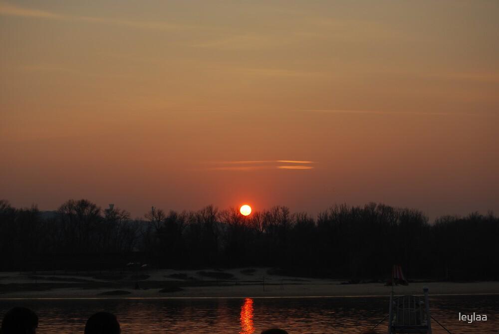 sunset by leylaa