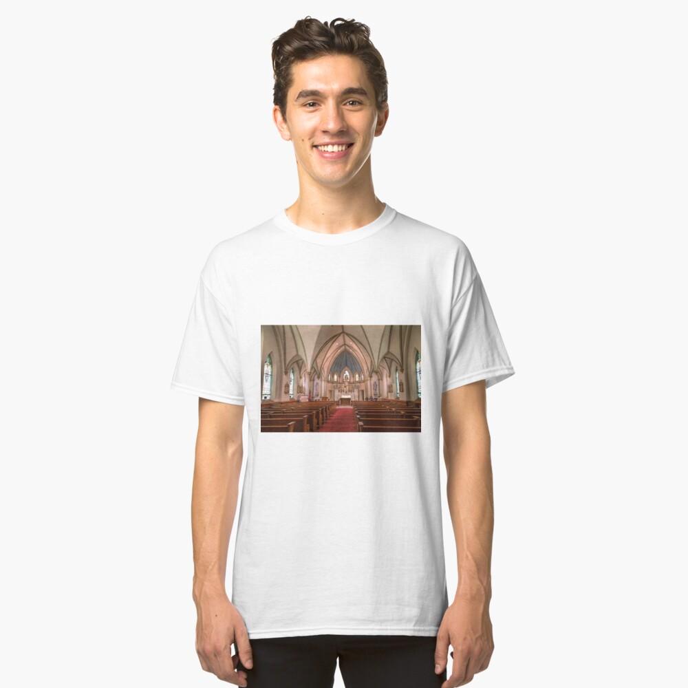 Die dauerhafte Kirche Classic T-Shirt