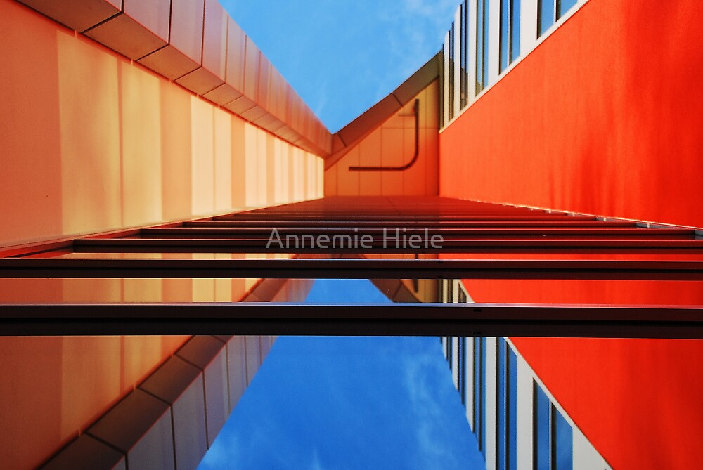 /_\ by Annemie Hiele