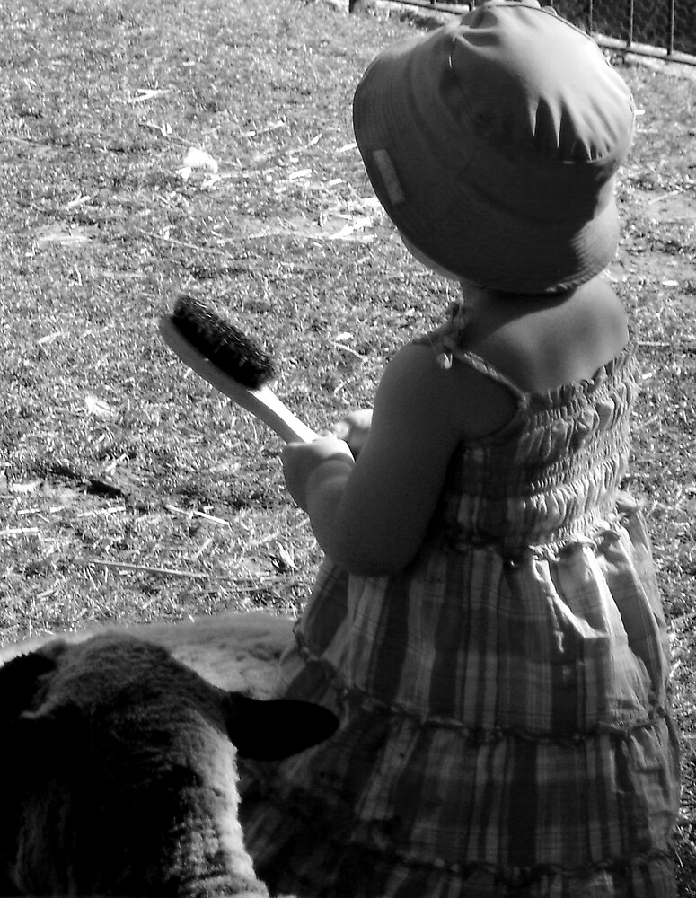 girl with brush by lulu64