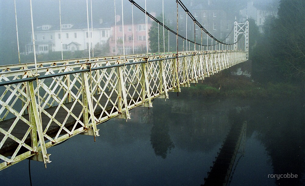 The Shakey Bridge In Colour by rorycobbe