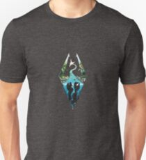 Skyrim Logo - Forest Scene Embossed in Granite Unisex T-Shirt