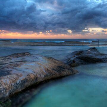Sunrise Sunrays - Nth Curl Curl Tidal Pool by scatrdjason