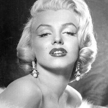 Classic Marilyn Monroe by onitees