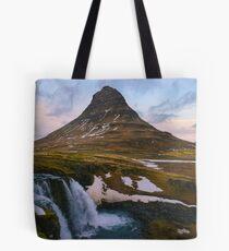 Kirkjufell, Grundarfjordur, Snaefellsnes, Island Tote Bag