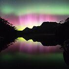 Aurora over Lake Lilla by tinnieopener