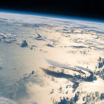 Cloudscape over the Philippine Sea by flashman