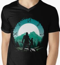 Kratos and son Men's V-Neck T-Shirt