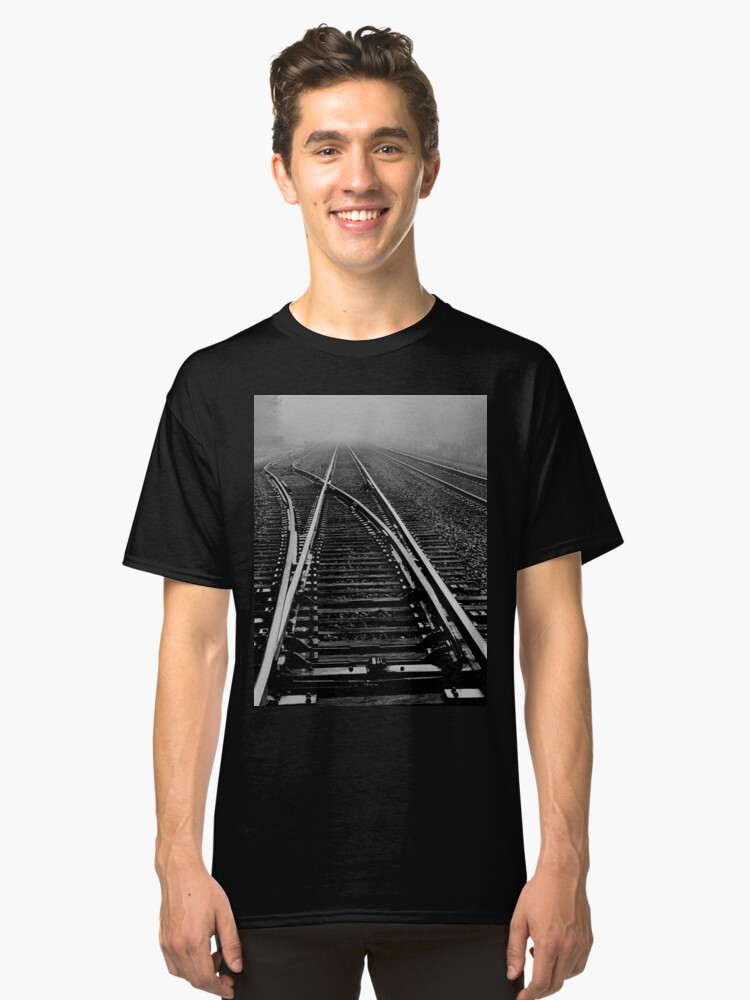 Fog over the tracks..when the levee breaks Classic T-Shirt Front