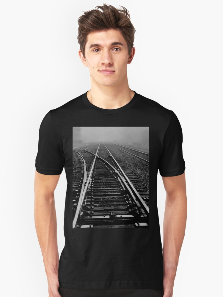 Fog over the tracks..when the levee breaks Unisex T-Shirt Front