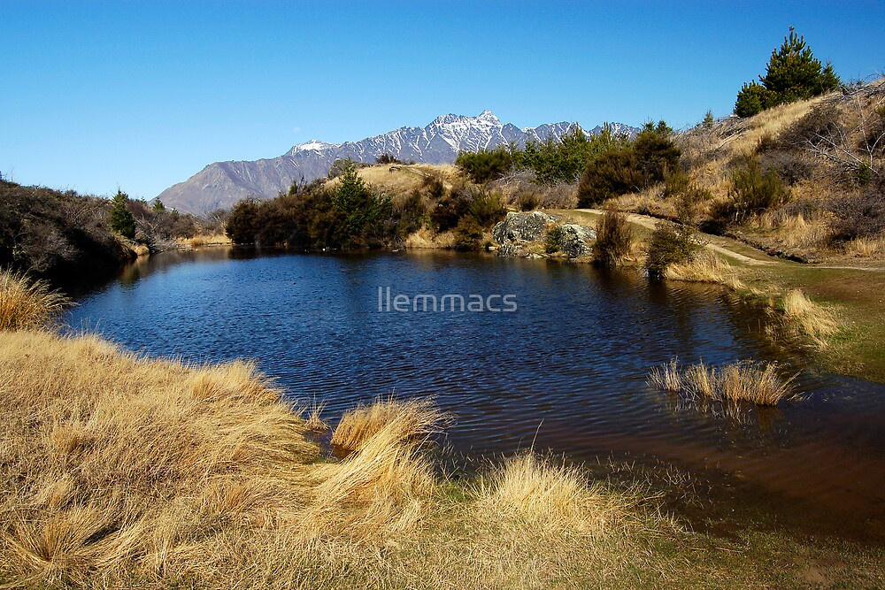 Hilltop Lake by llemmacs