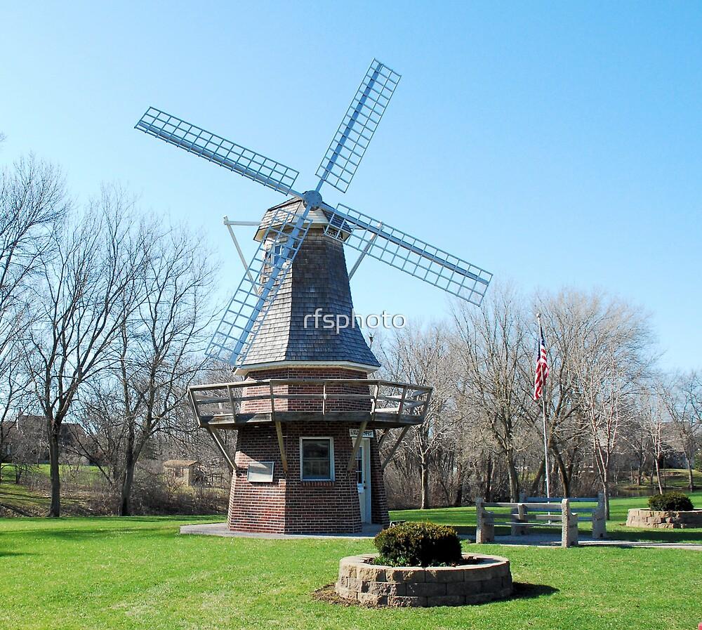 Windmill in Waupun by rfsphoto
