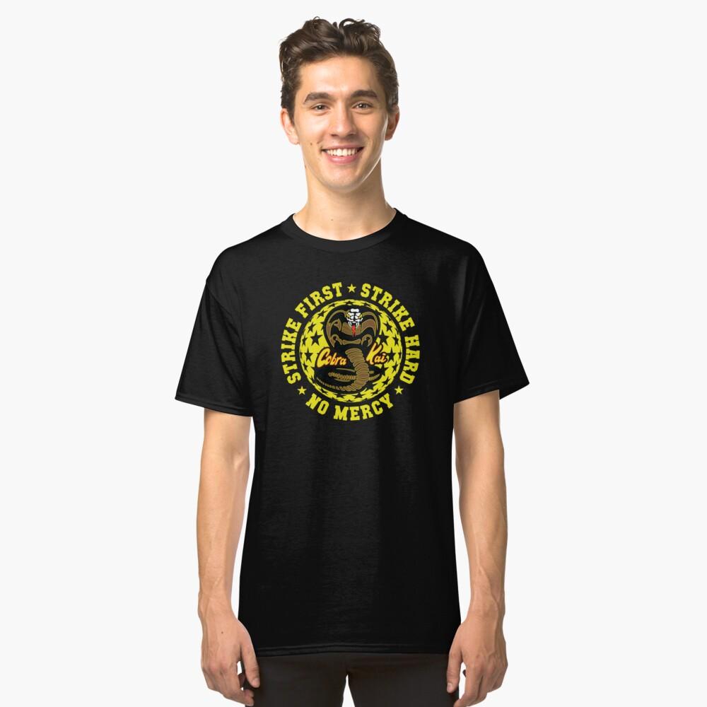 Cobra kai - Schlag vier HD Logo Classic T-Shirt