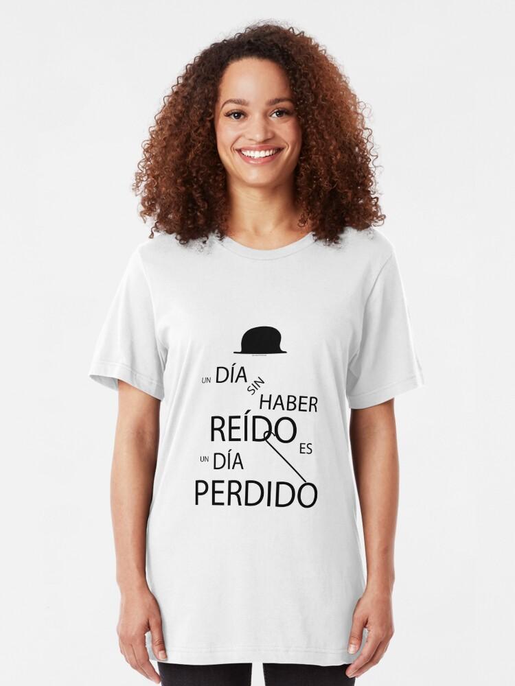Vista alternativa de Camiseta ajustada Un día sin haber reído es un día perdido, Charlot