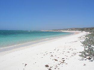 mandu beach by sonbeth