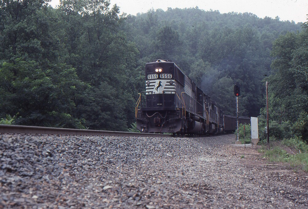 SD60 at Sand Cut on Saluda Grade by GMooneyhan